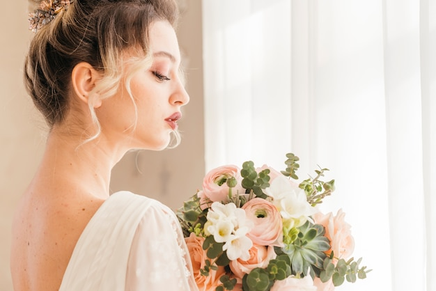 エレガントな花嫁のポーズ