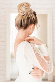 ウェディングドレスの花嫁