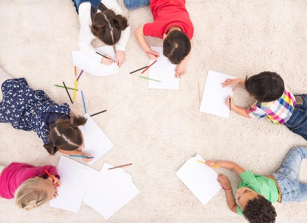 Детский групповой рисунок