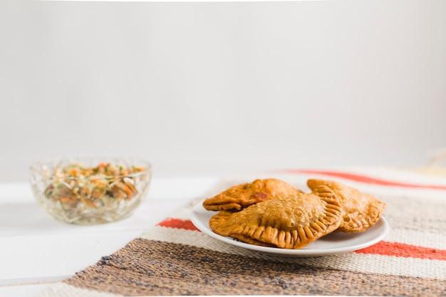 Турецкие пирожки и салат