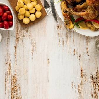 グリルチキンと野菜の夕食