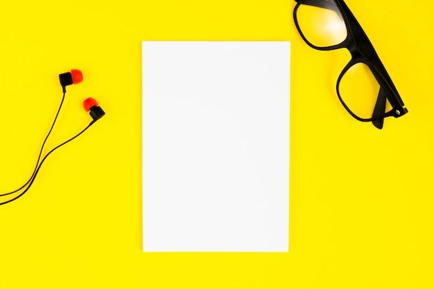 Наушники и очки