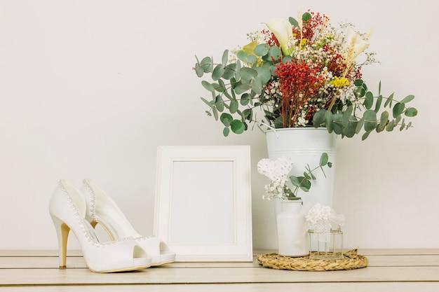 花と結婚式の靴