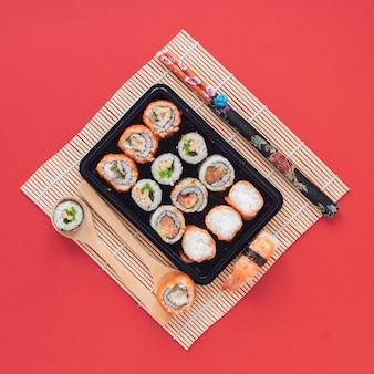 Плоская композиция для суши