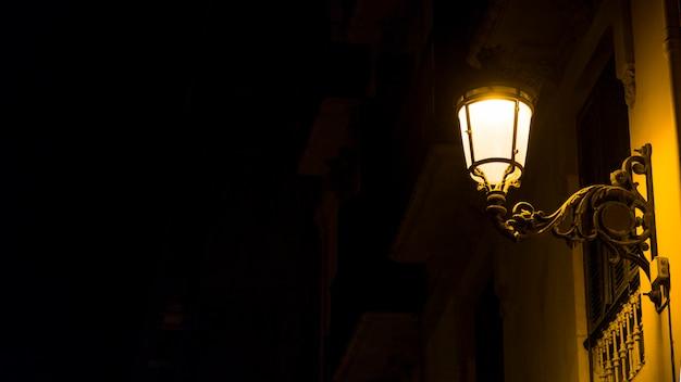 夜の街の明かり