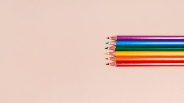 Деревянные цветные карандаши лгбт