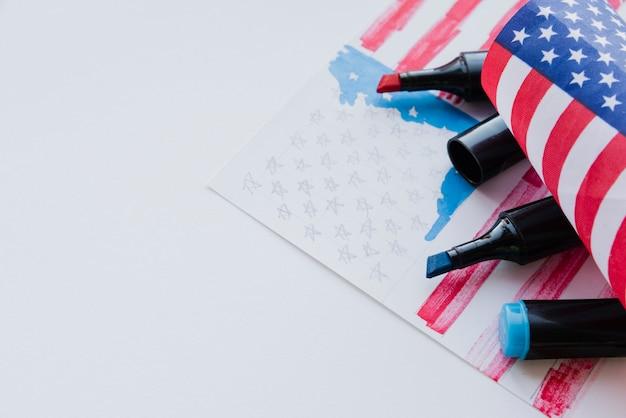 マーカーによるアメリカの国旗の描画