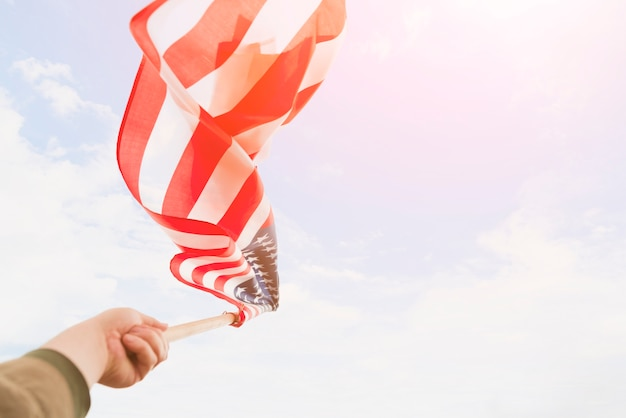 Флаг сша развевается ветром