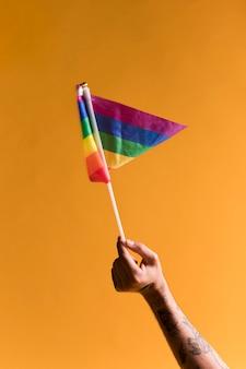 Маленький радужный флаг лгбт