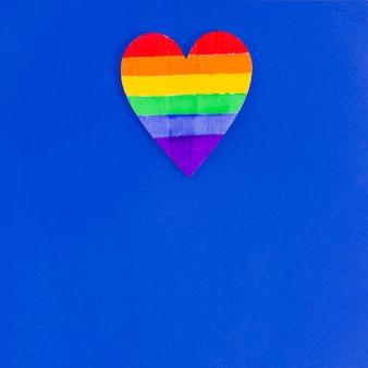 Сердце с цветами флага гордости