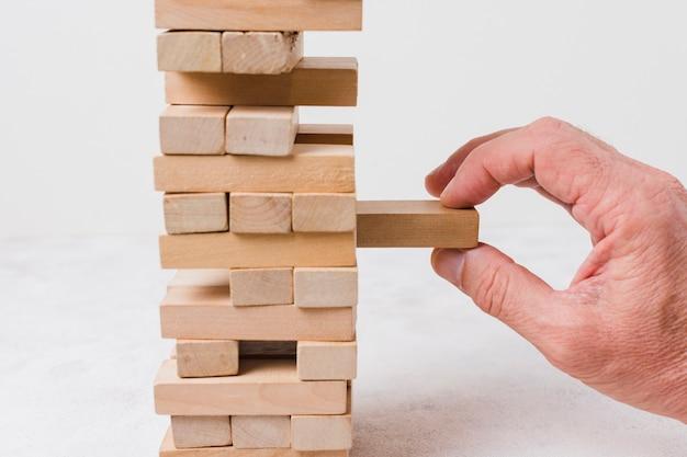 実業家遊ぶジェンガ