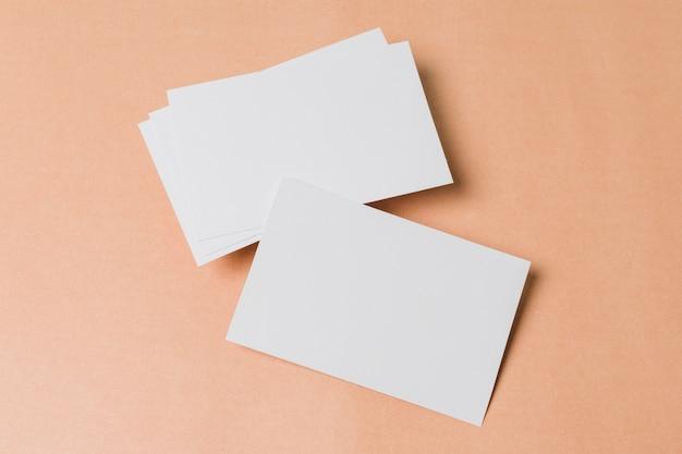 Вид сверху пустой визитки