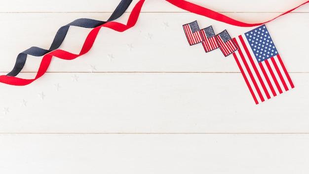 Флажки америки с лентами