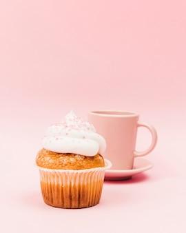 カップケーキとマグカップ