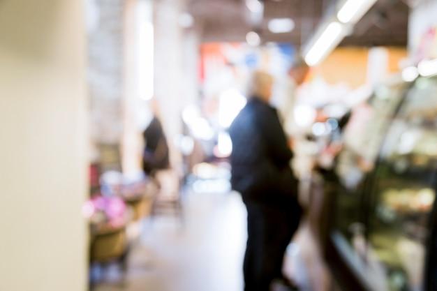 Супермаркет с размытым эффектом