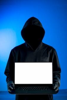ハッカー提示ノートパソコンのテンプレート