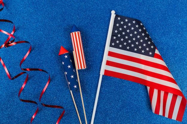 独立記念日のための装飾と花火