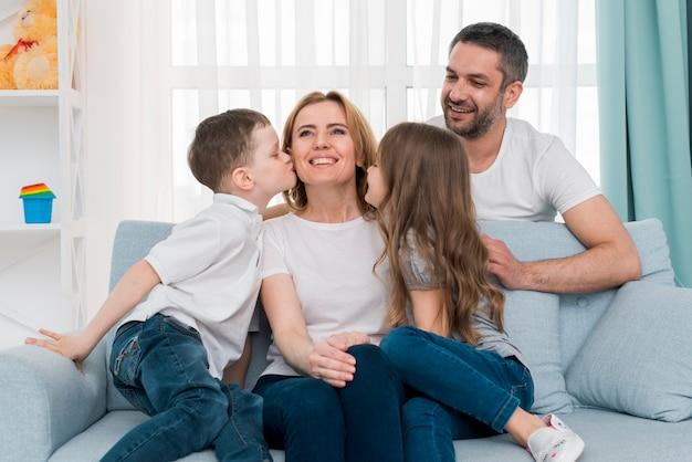 自宅で家族