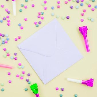 紙吹雪と誕生日グリーティングカード