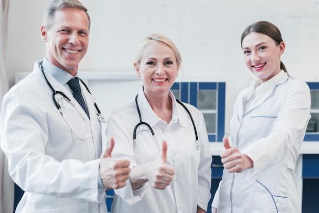 診療所の医療チーム