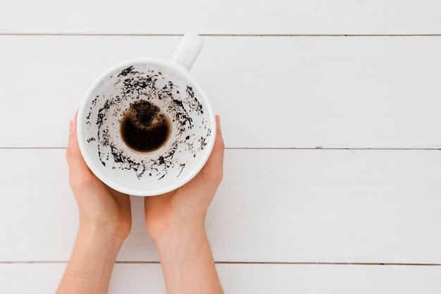 トップビュー両手コーヒーカップ
