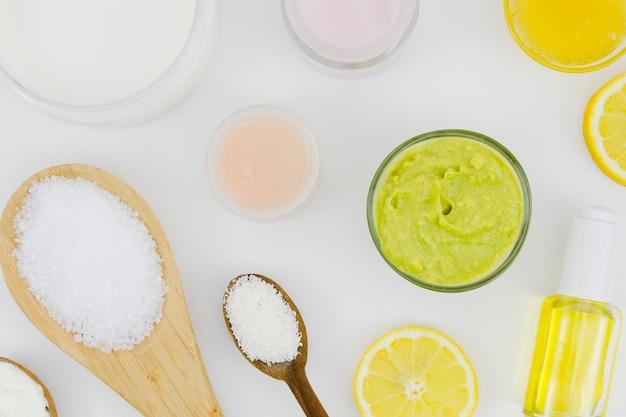自然の要素を持つ美容クリーム