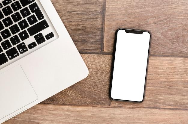 Вид сверху шаблон смартфона в рабочей области
