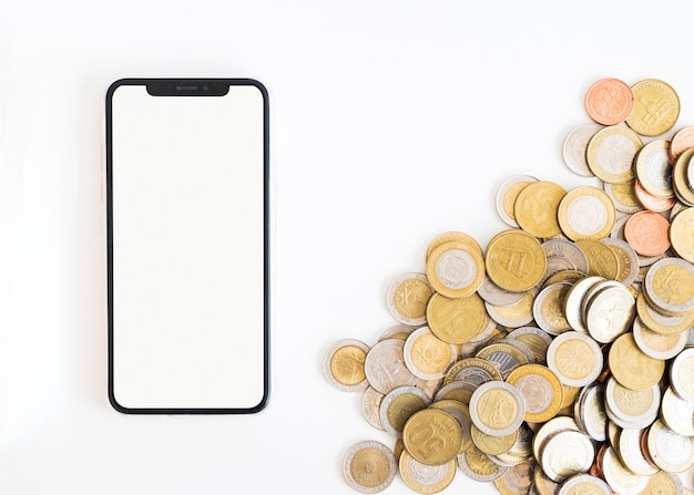 お金とオフィスのデスクトップ