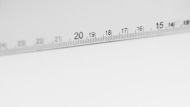 白い測定テープ