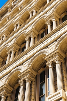Фасад красивого исторического здания