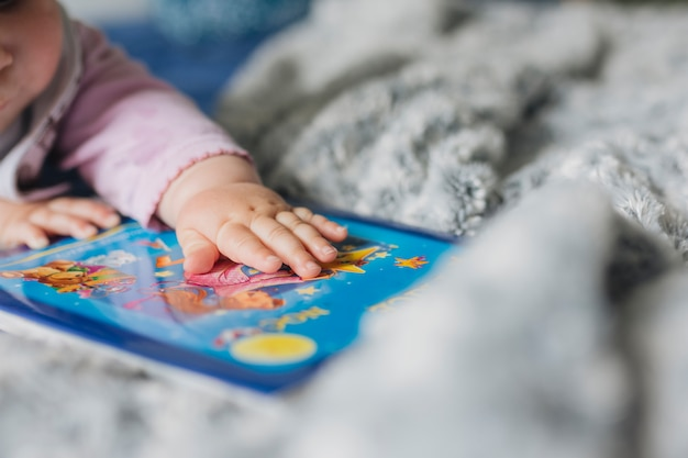 自宅で赤ちゃんの肖像画