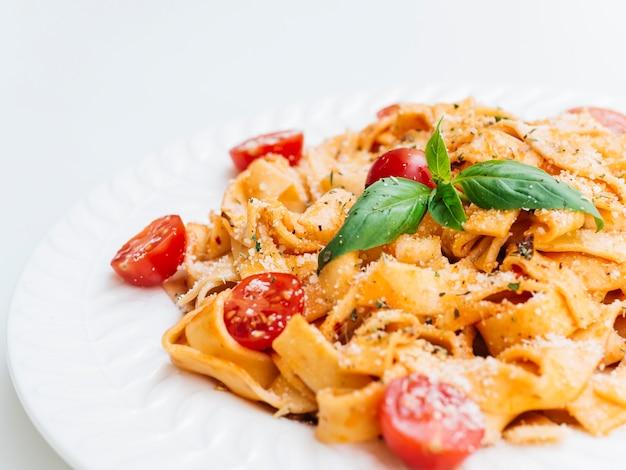 イタリアのパスタのおいしいプレート