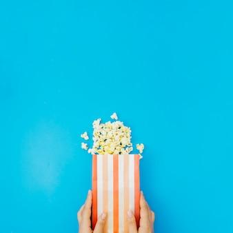 Плоская композиция попкорна для кинотеатра