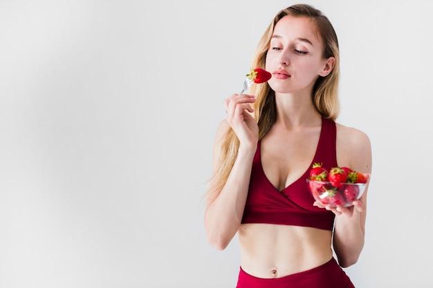 スポーツ女性と健康食品の食事療法の概念
