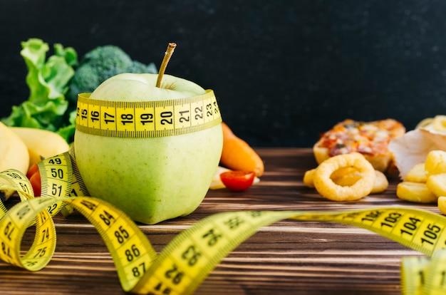 果物と野菜のある静物