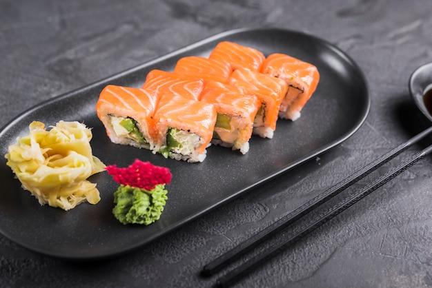 アジア料理レストランの寿司料理