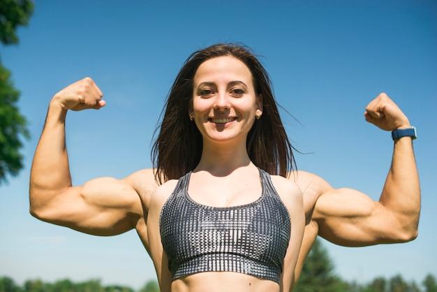 筋肉男と女の強さの概念