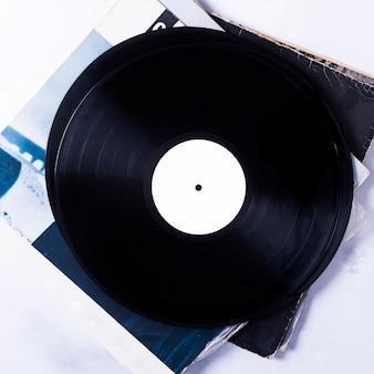 Вид сверху виниловых дисков