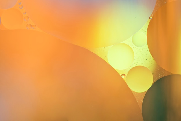 大きな抽象的なオレンジ色の泡の質感