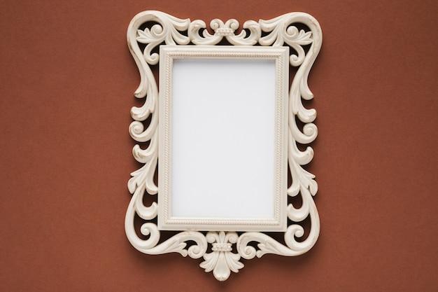 Плоская плоская элегантная рамка с коричневым фоном