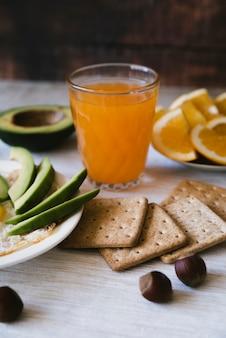 Вкусный протеиновый завтрак спереди