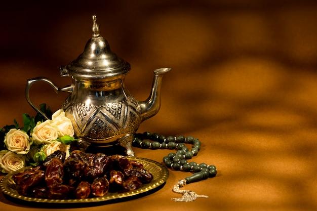 コピースペースアラビアの伝統的なアレンジメント