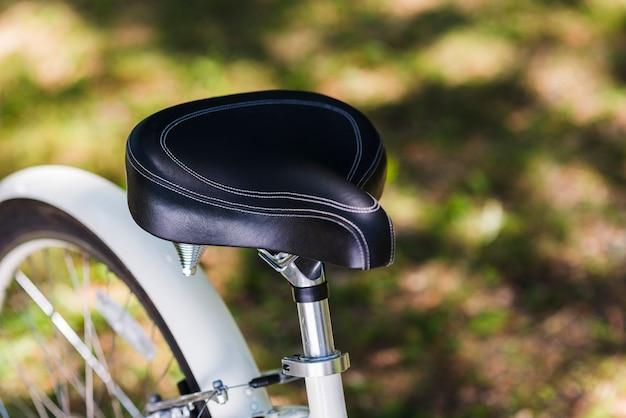 自転車の座席のクローズアップ
