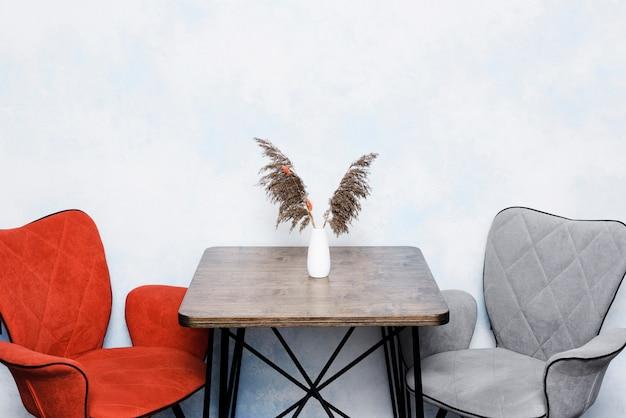 Ваза крупного плана высушенная вазами малая