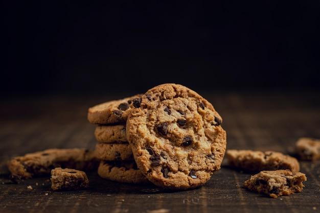 互いの上にクッキー