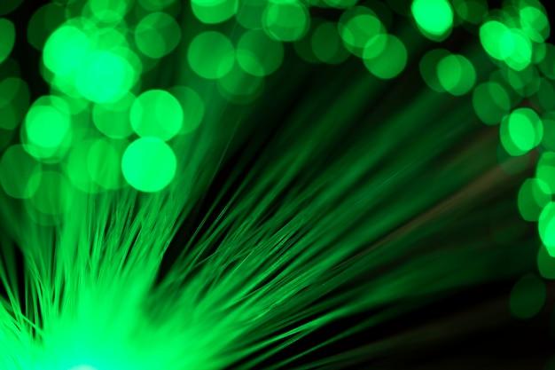 緑色の濃いぼやけた繊維