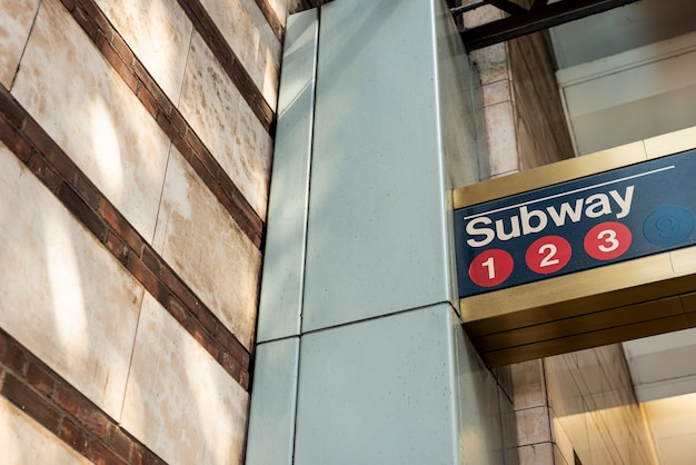 地下鉄サインのクローズアップ