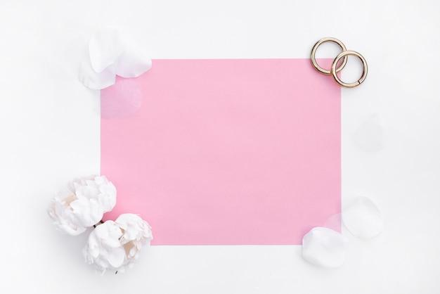 グリーティングカードとフラットレイアウト結婚指輪