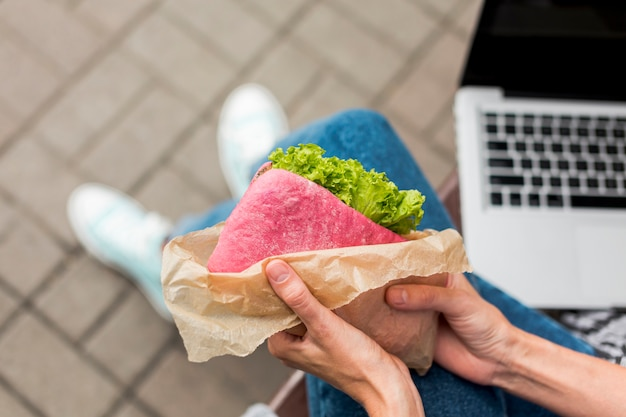 おいしいサンドイッチのクローズアップ
