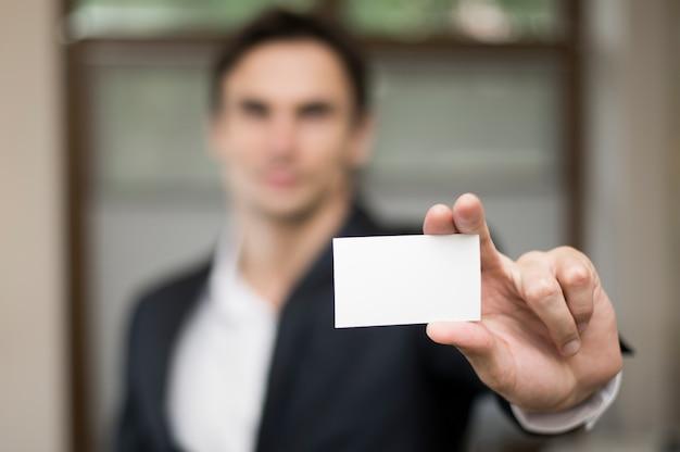 Крупный план макета визитной карточки